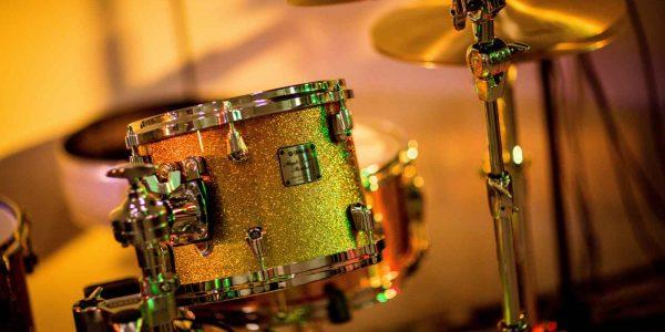 brass-drums-1327430a